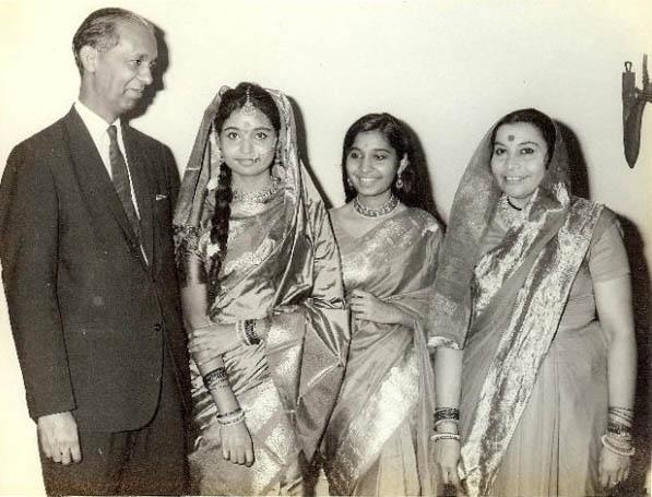 Shri Mataji e la sua famiglia